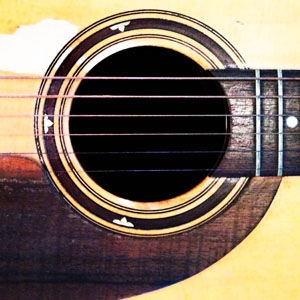 how-to-tune-guitar-soundhole